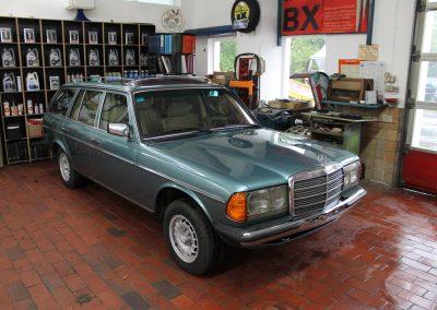 Mercedes-Benz  W123 300TD | VERKAUFT